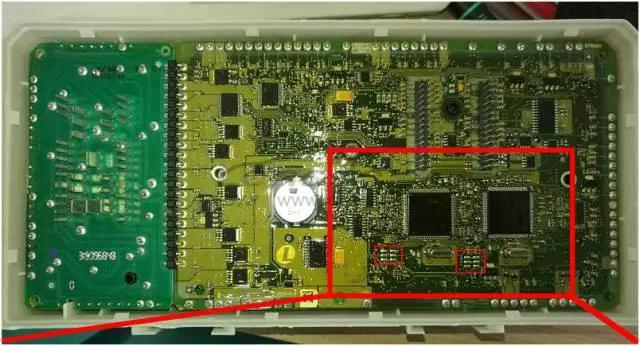 Lonsdor K518ISE programs Volvo S40 key and remote key (1)